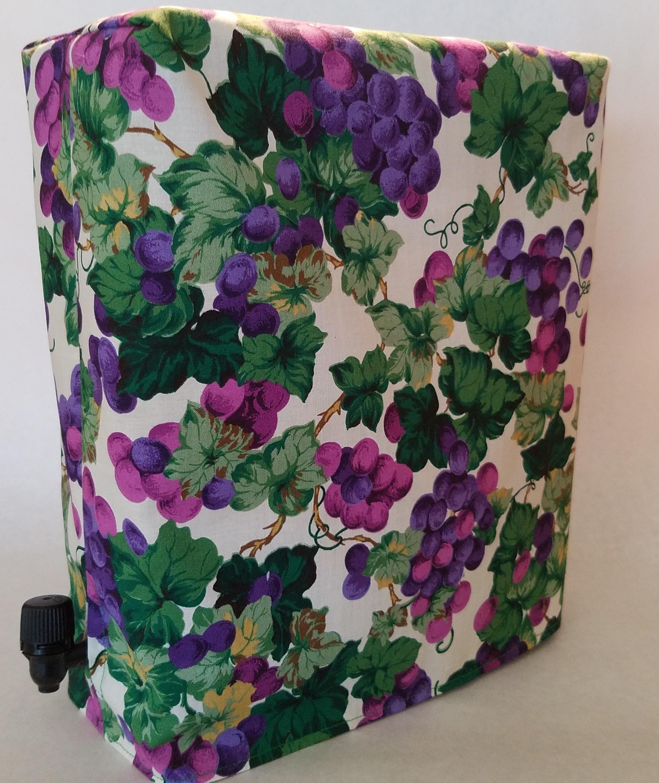 What Wine Box ® Cover – Grapes (White)   What Wine Box ® 0f244f13ac0